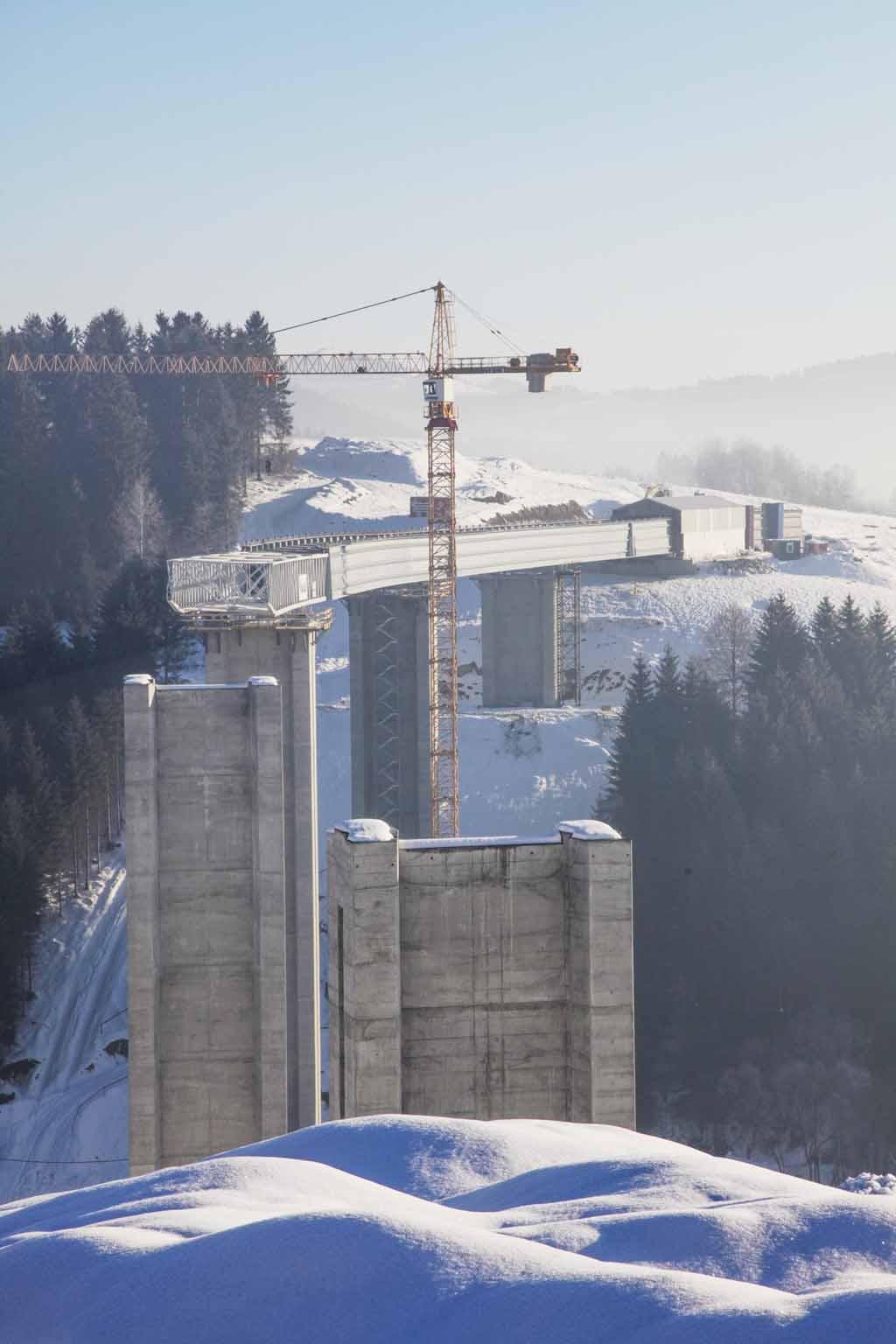 Oceľové-mosty-zima-Promont